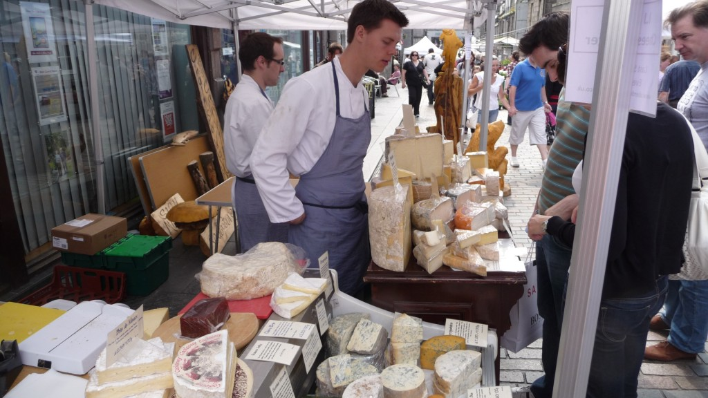 CheeseForum.org - Street Market Cheesemonger Stall, June 2009, Aberdeen, Scotland